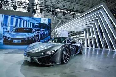 汽车betvictro伟德备用网址设计多半都是靠大比例使用铝合金来实现
