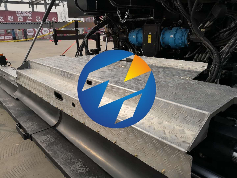 工程车踏板